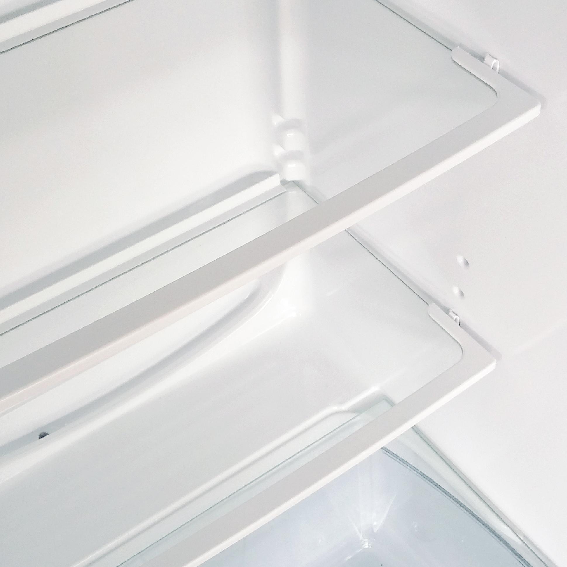 adjustable-safety-glass-shelves-1.jpg